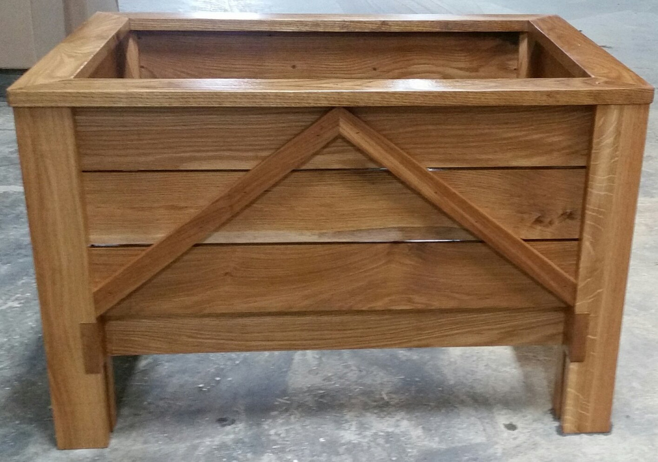 Solid wood planter
