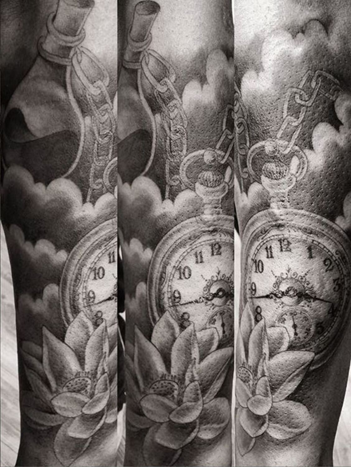 CLock and lotus black and grey