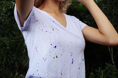 Camiseta V pintinhas
