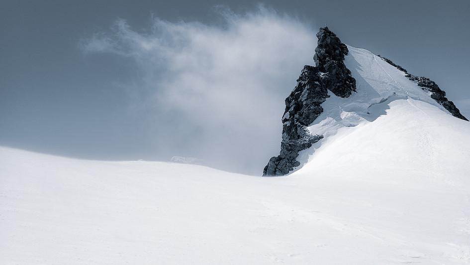 Ludwigshöhe Peak [4,341 m | 14,242 ft], Monte Rosa, Italy