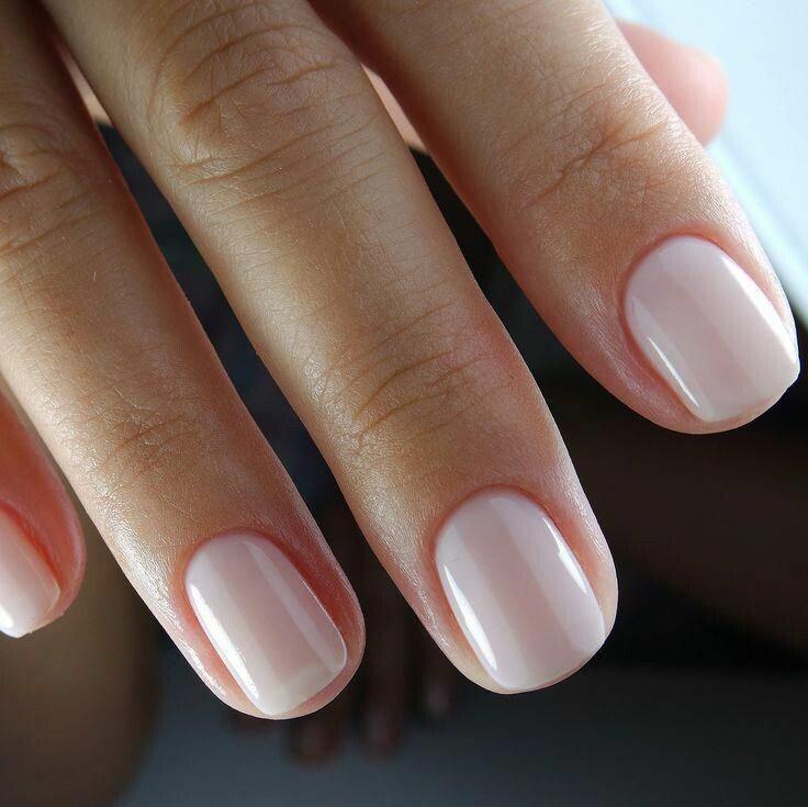 BIAB nagels (nude tinten) & e-manicure