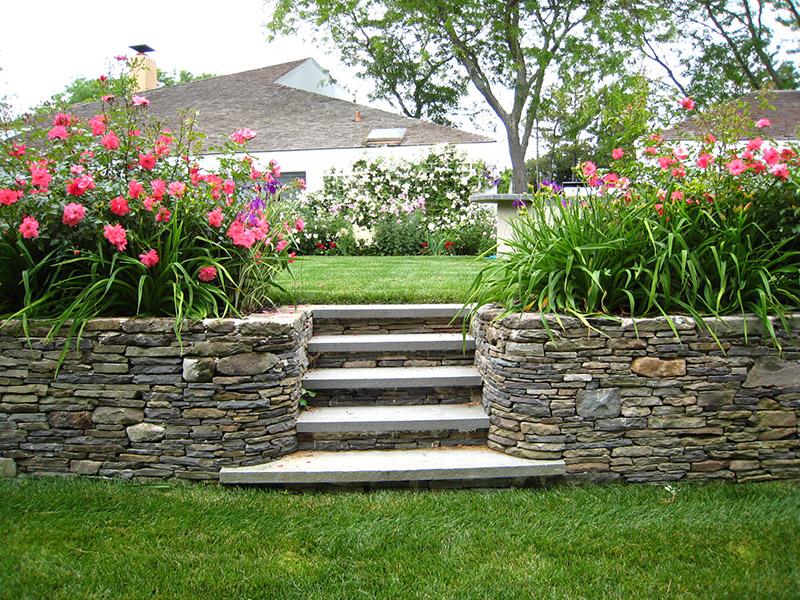 retaining wall stone garden