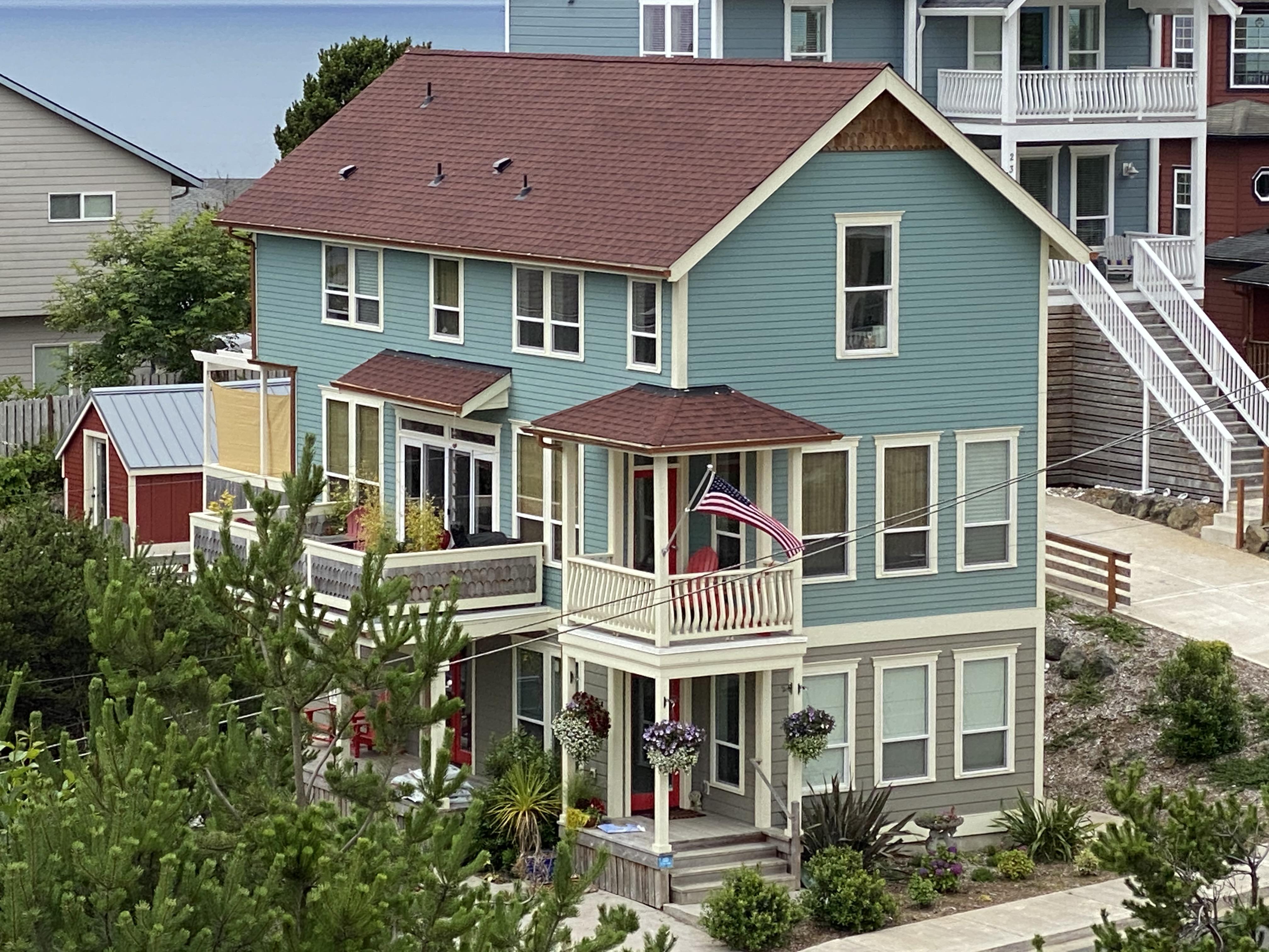 2333 SW Coast Ave - Exterior