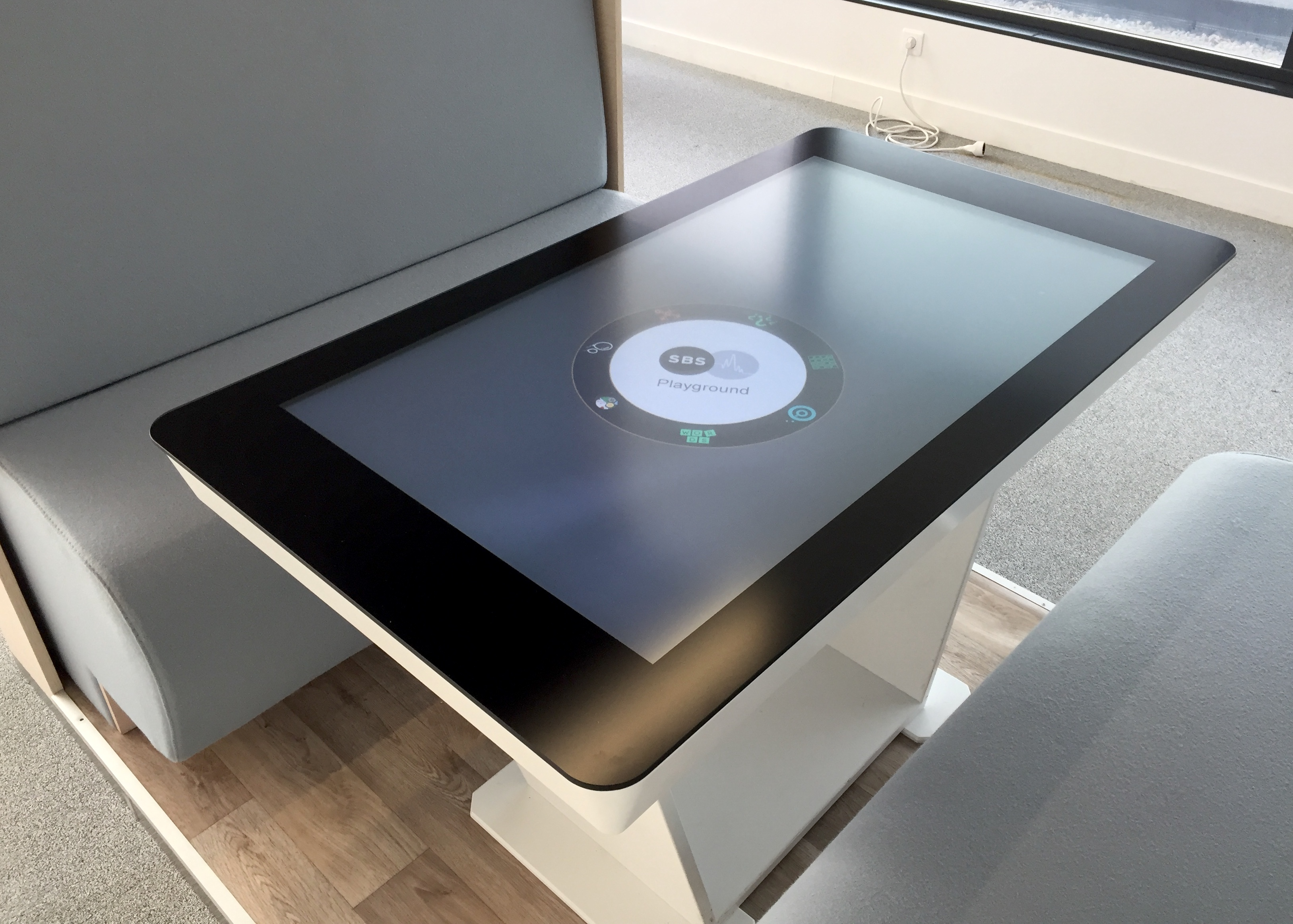 HUDL - Touch and connected table
