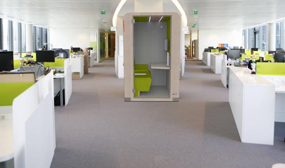 UNO vert with screen.jpg