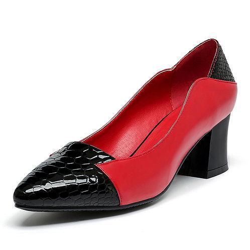Universe 'Classic' Block Heel Pump (Women)