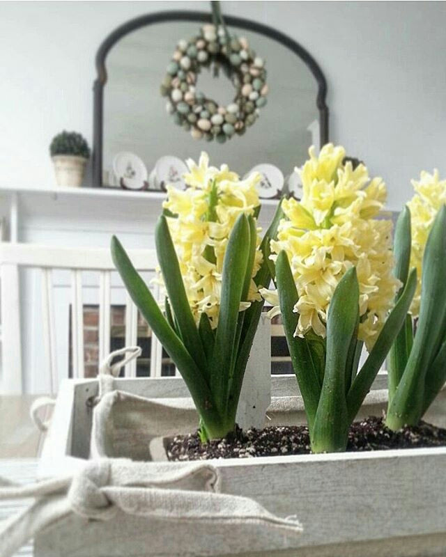 spring mantel makeover