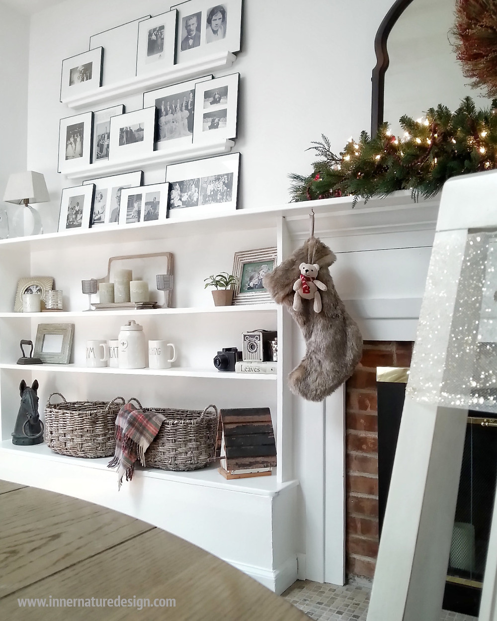 Decorating Built-Ins for Christmas
