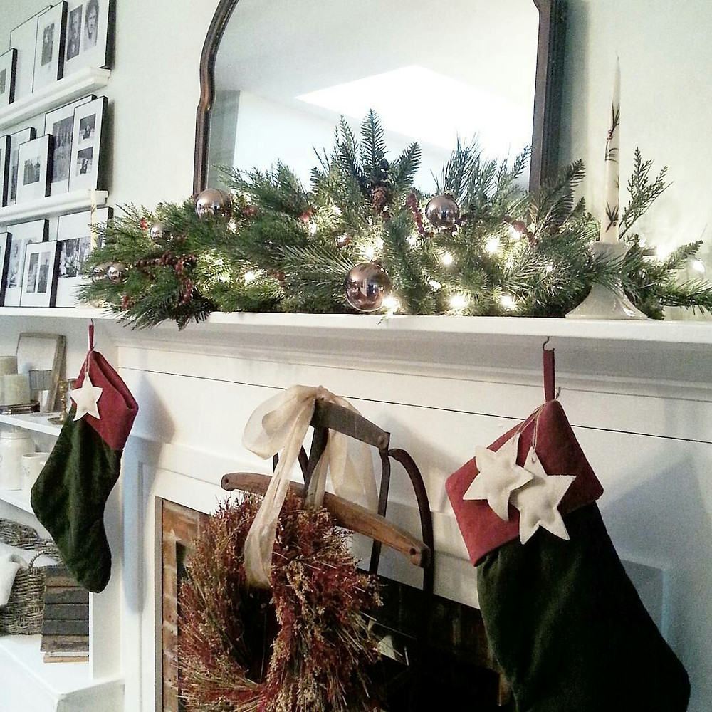 Christmas mantel makeover