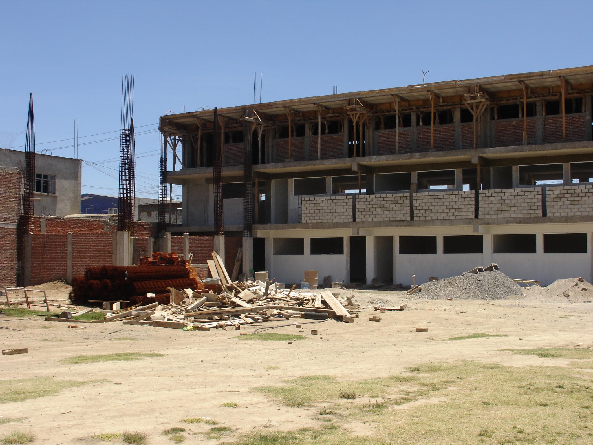 Construcción de aulas en Primaria