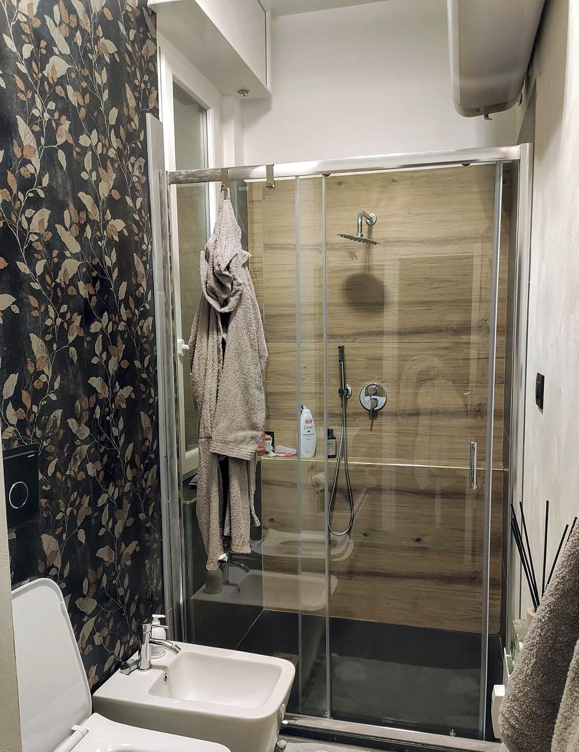 Dettaglio zona doccia