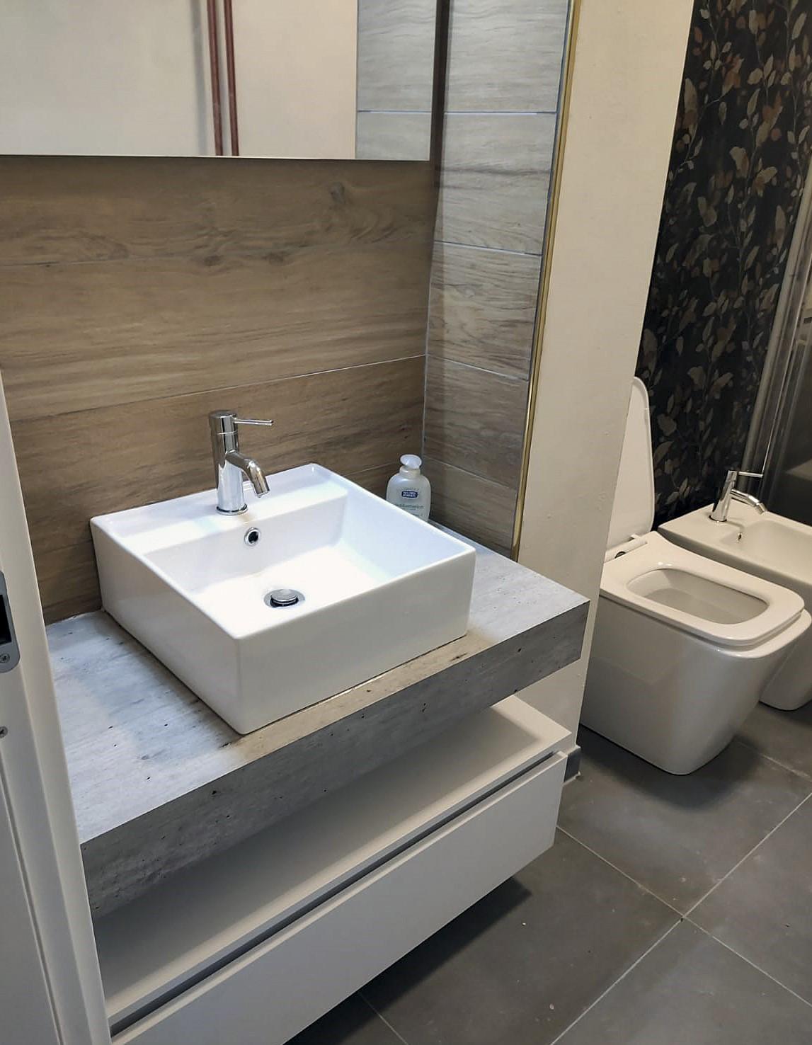 Dettaglio zona lavabo post lavori