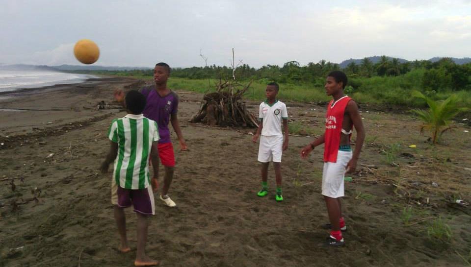Jóvenes en Nuquí, Chocó