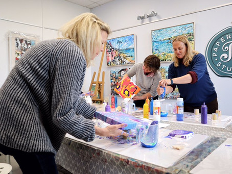 The therapeutic value of art for  well- being/ Adult Art Classes