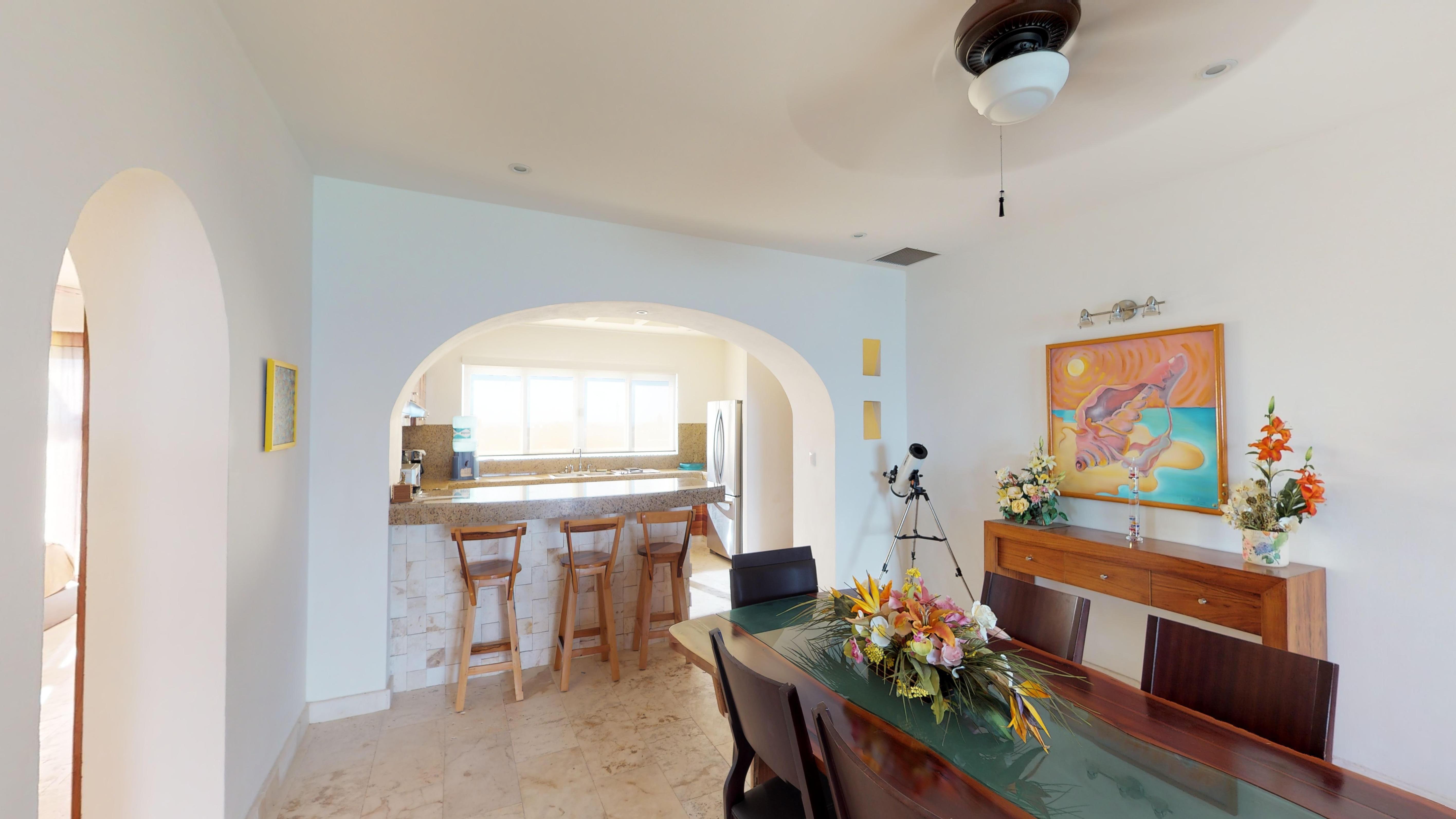 Isla-33-Apartament-1201-dinningkitchen.j