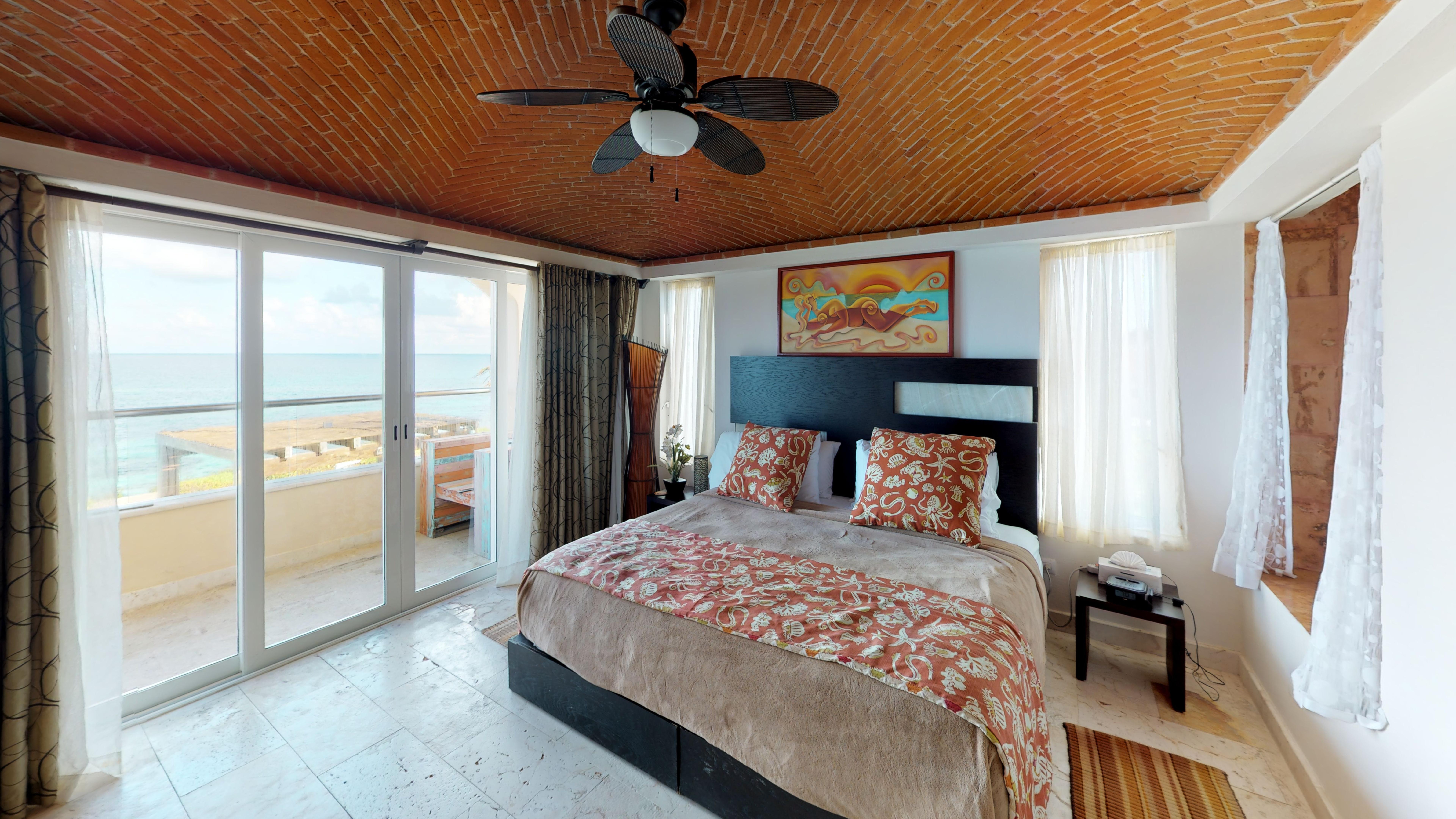 Isla-33-Apartament-1201-Bedroom.jpg