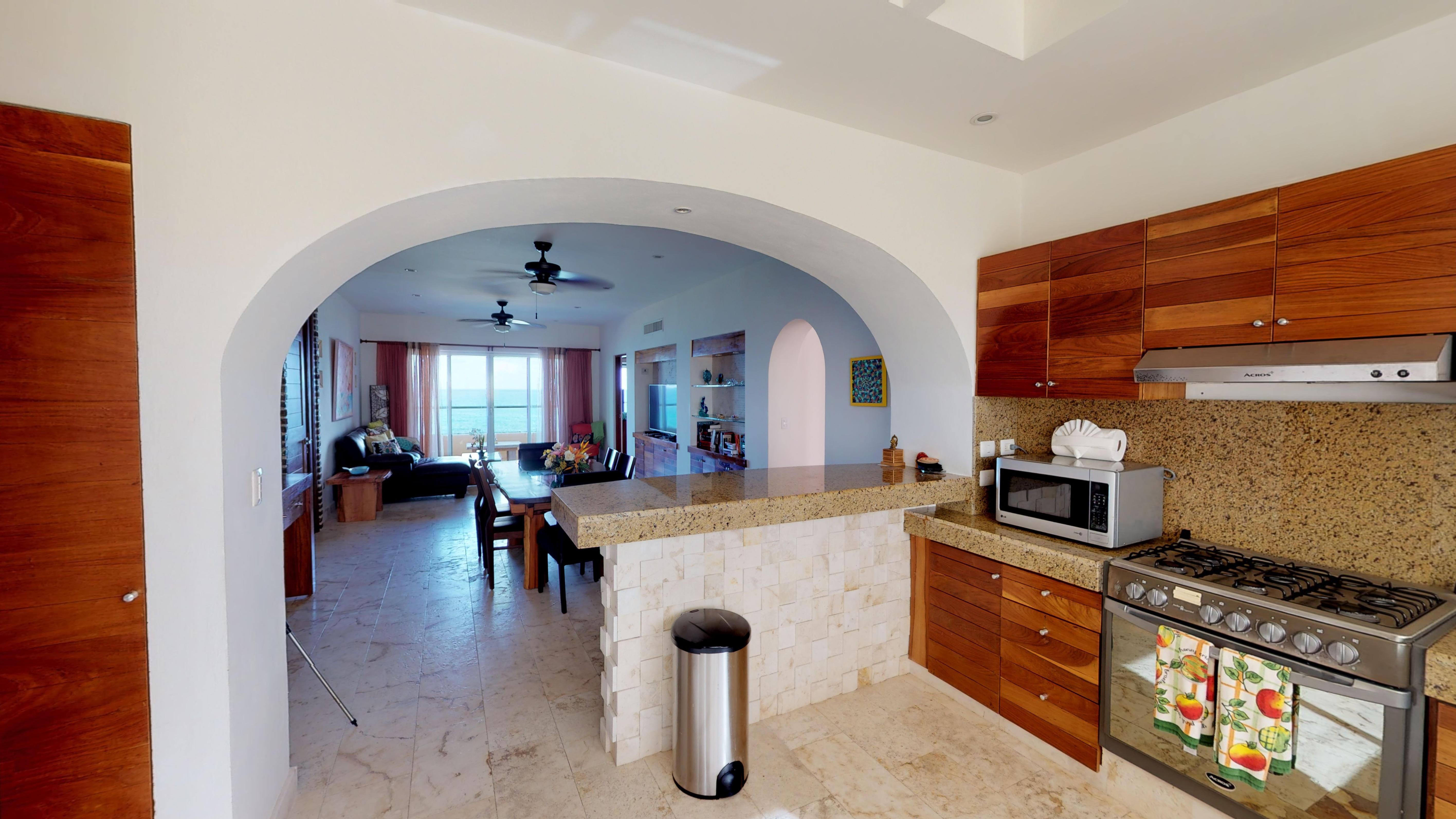 Isla-33-Apartament-1201-KitchenView-Livi