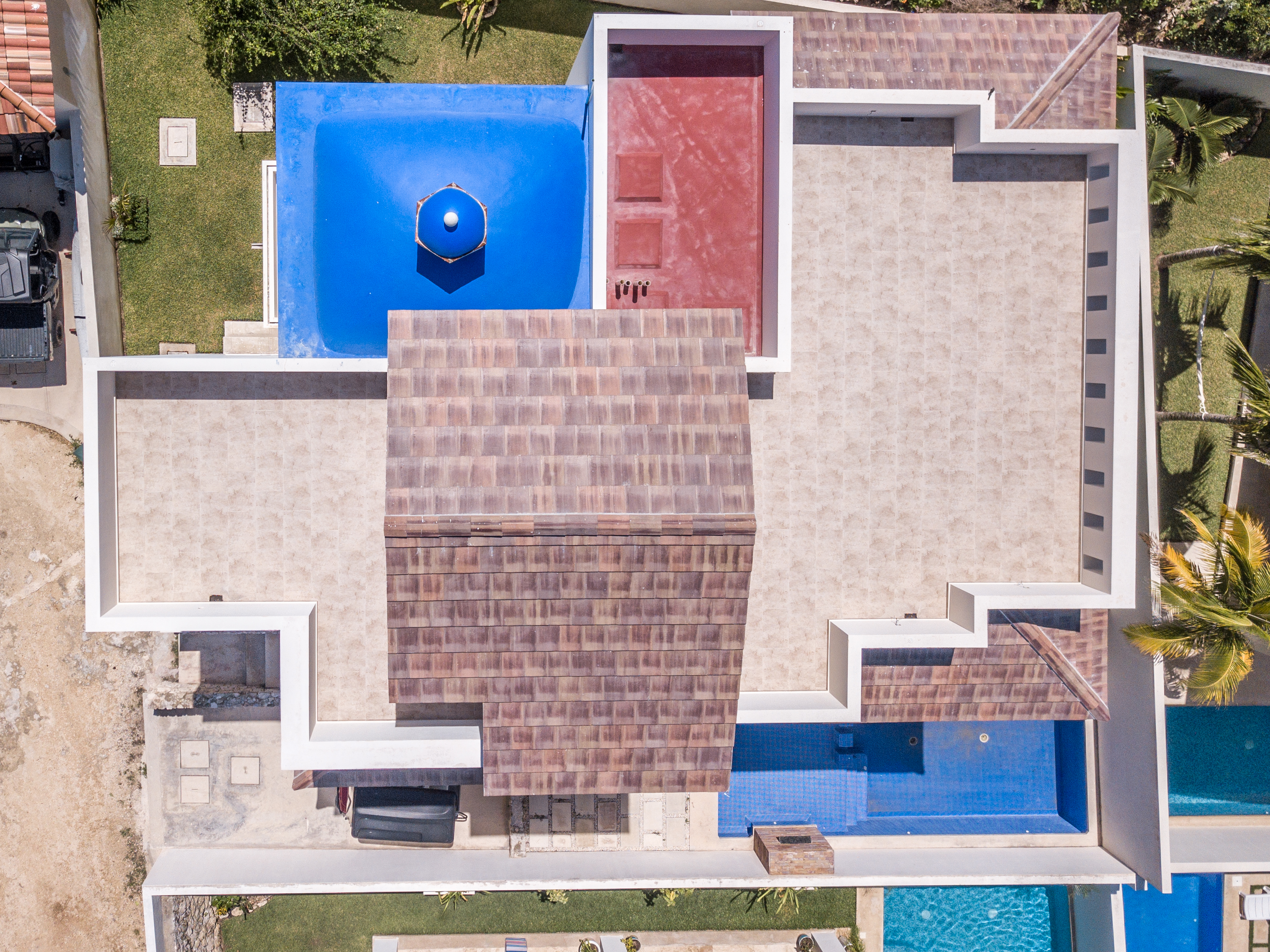 House 1401drone-0001.jpg