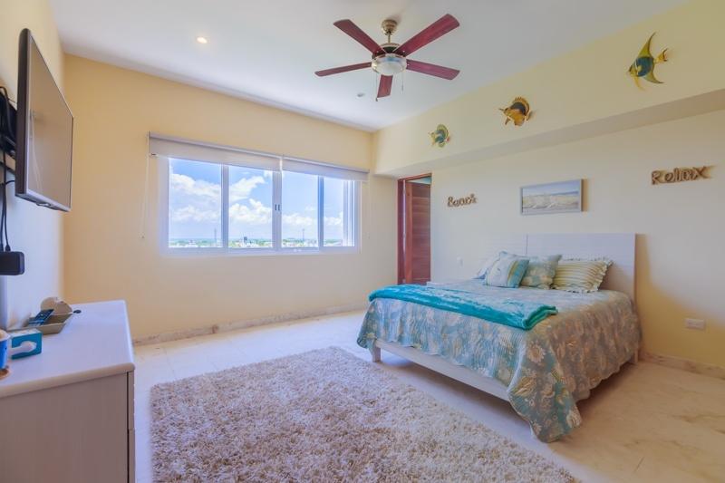 1304 bedroom 4.jpg