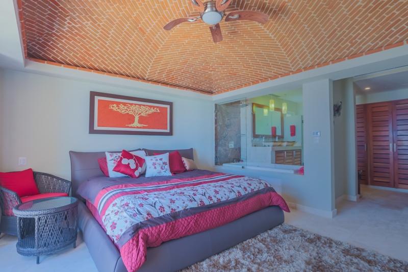 1304 bedroom 3.jpg