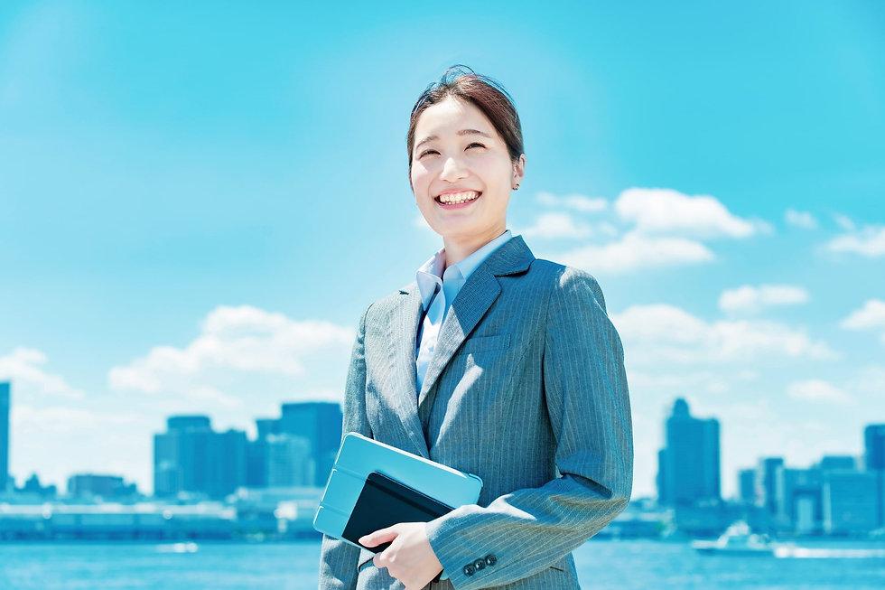 働く女性イメージ-min.jpg