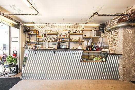 44 Tours façade bar comptoir doka acier metal bois collectif vous
