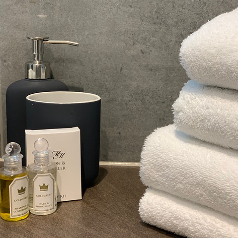 Bathroom Towels & Accessories