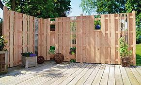 Holz im Garten.jpg