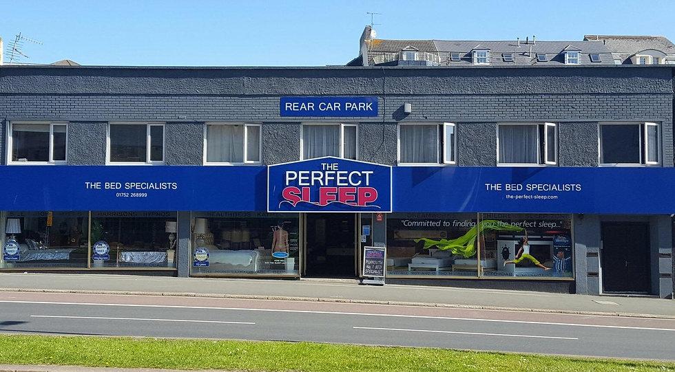 shop%20front%202018_edited.jpg