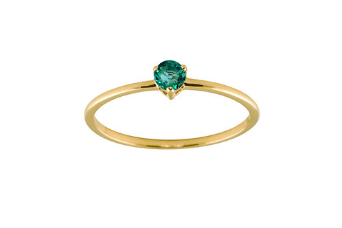 Emerald medium solitaire 18k gold ring