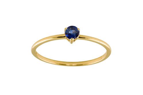 Blue sapphire medium Solitaire 18k gold ring