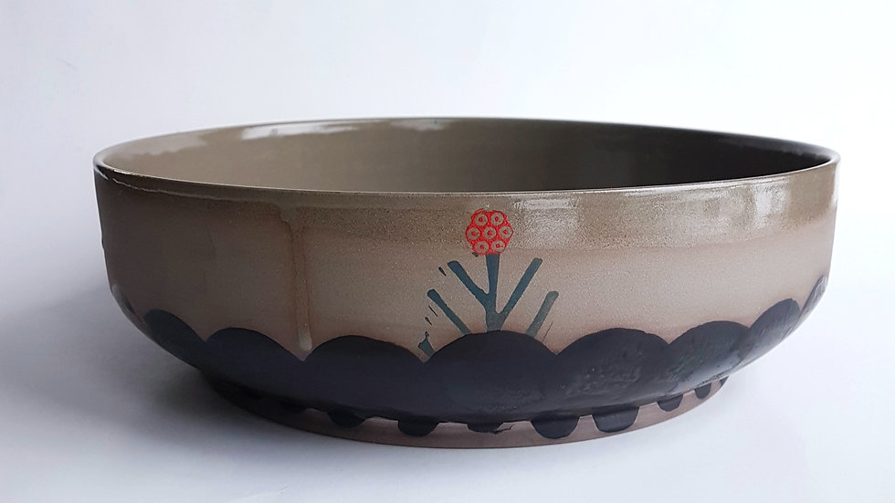 Satin Black Scallop & Red Berries Bowls