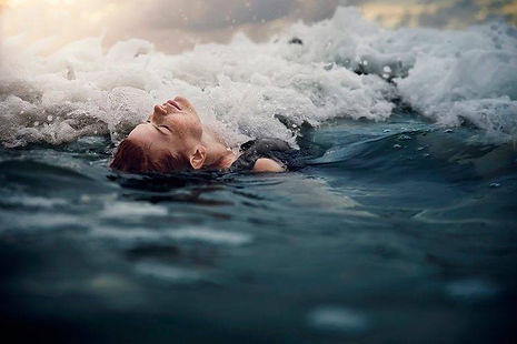 75995-women-wet-water-748x499.jpg