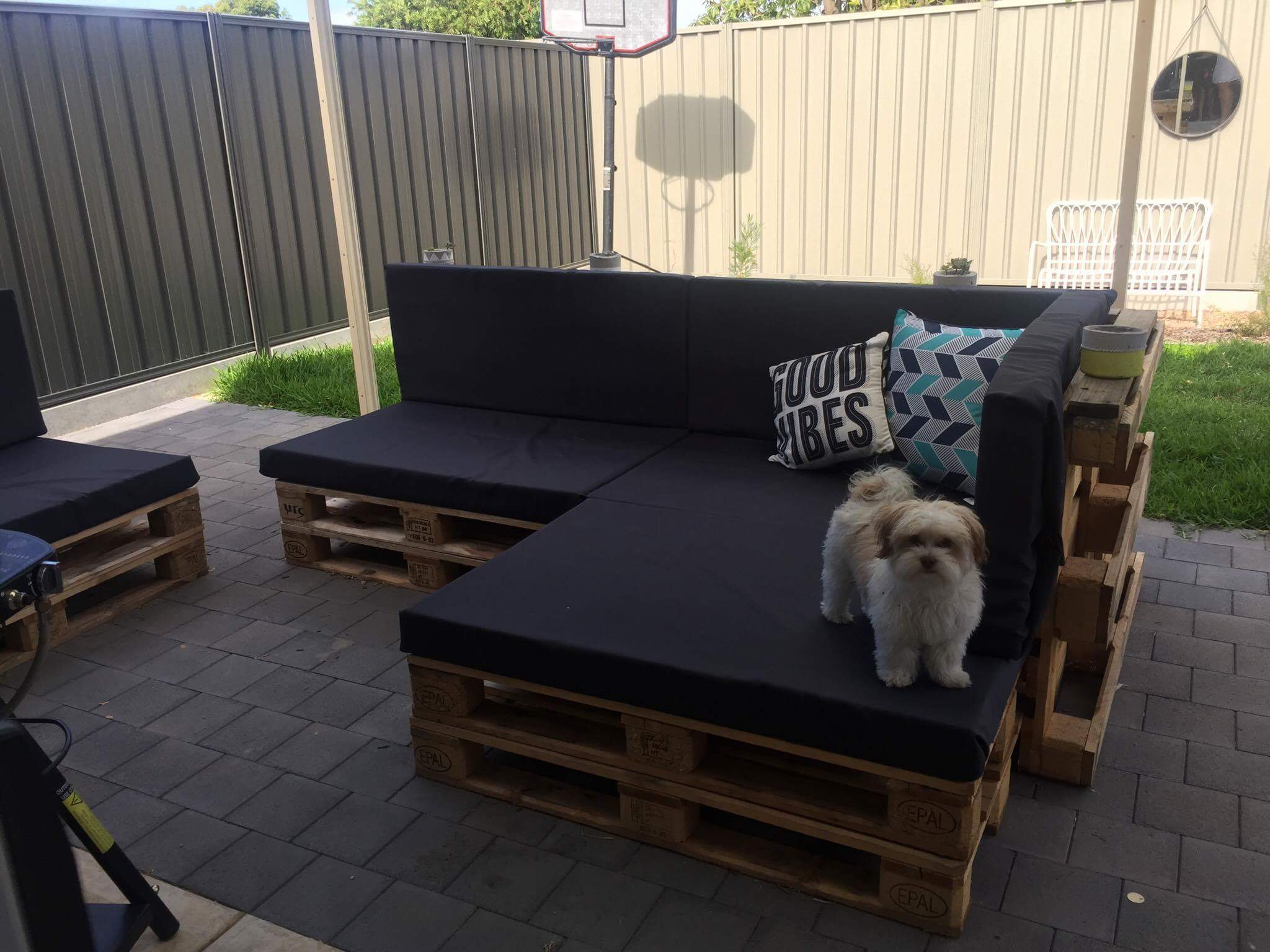 Pallet Outdoor Lounge