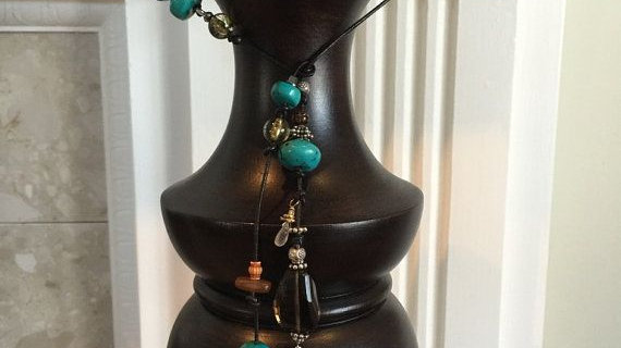 Lariet leather necklace made with semi precious stones ,,silver