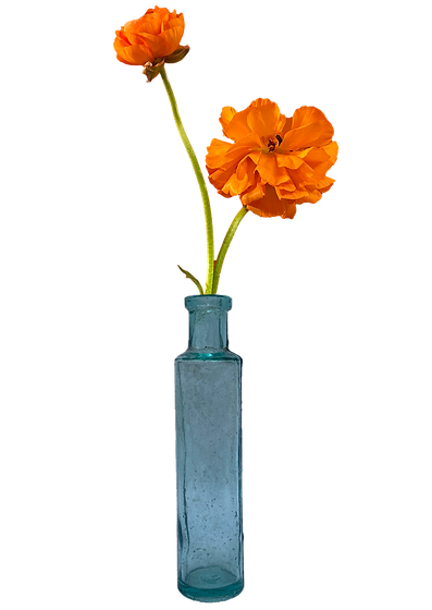 antiwue bottle with flower.png