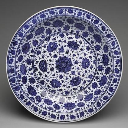 Iznik charger ca 1480-1500