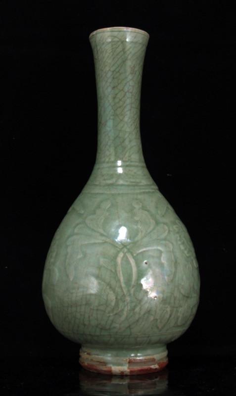 Chinese Langquan celadon vase
