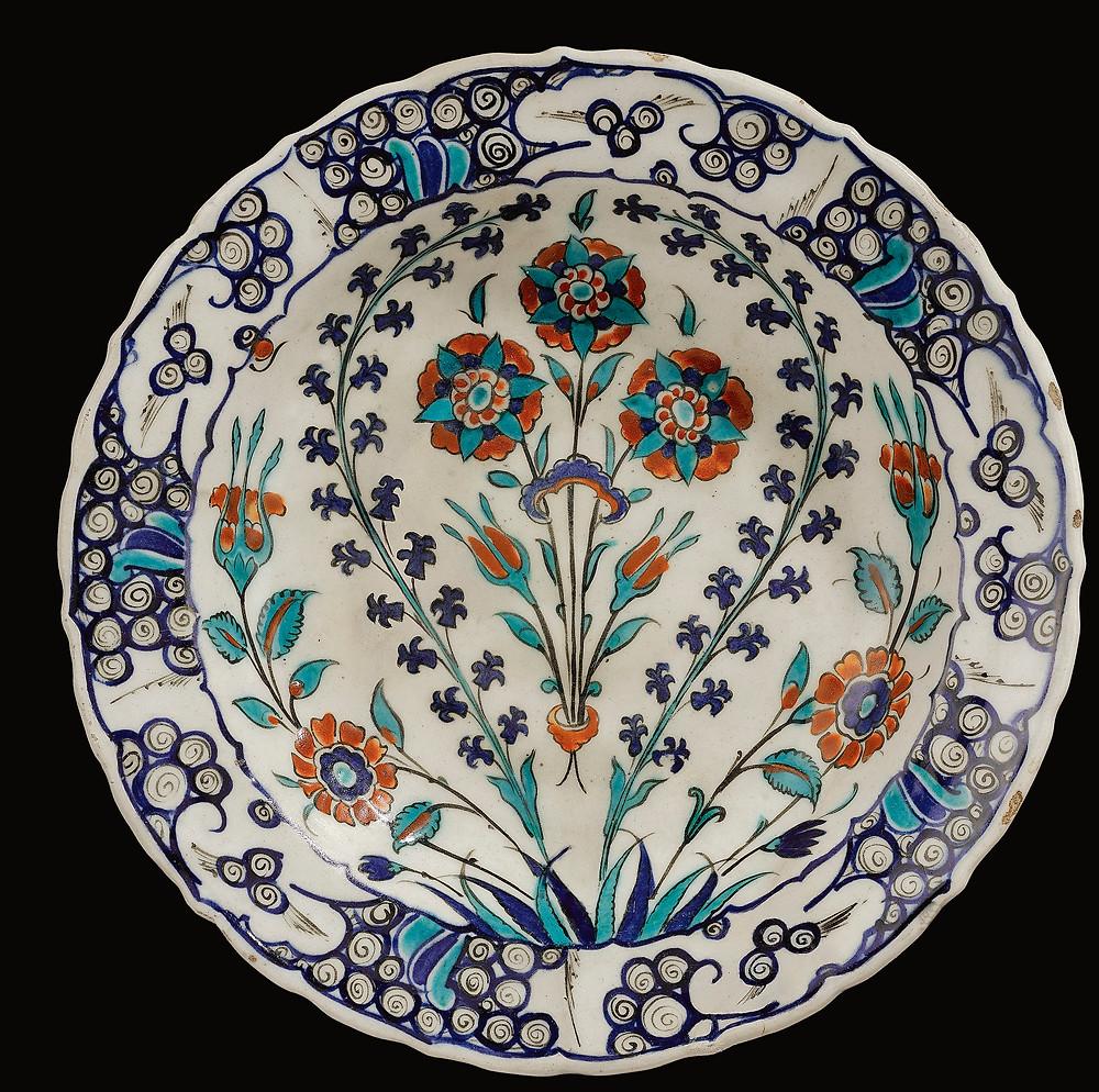 Typical floral Iznik plate