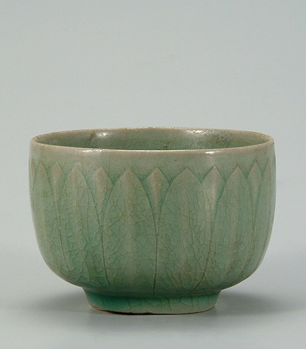 12c Goryeo celadon cup