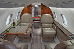 N603GR_LR60_jet-2_cabin_table_champane-3mb