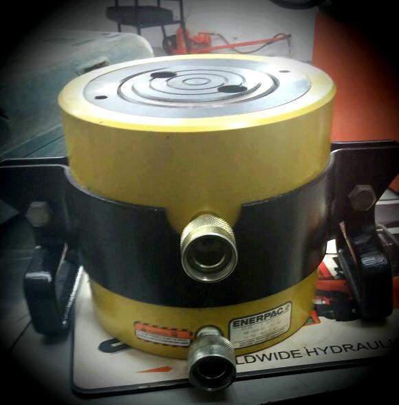 ENERPAC 100 TON CYLINDER