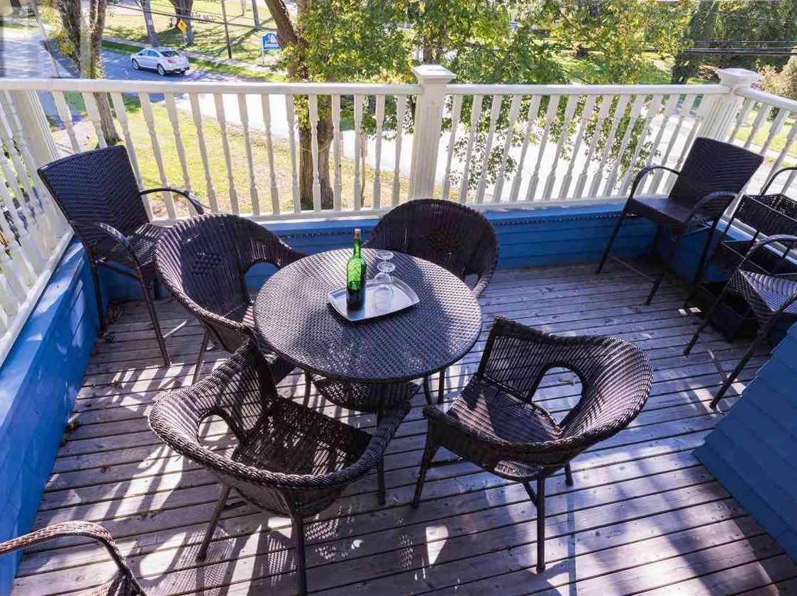Guest veranda