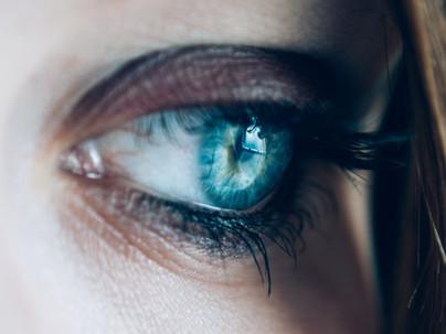 Desmaquillador de ojos natural