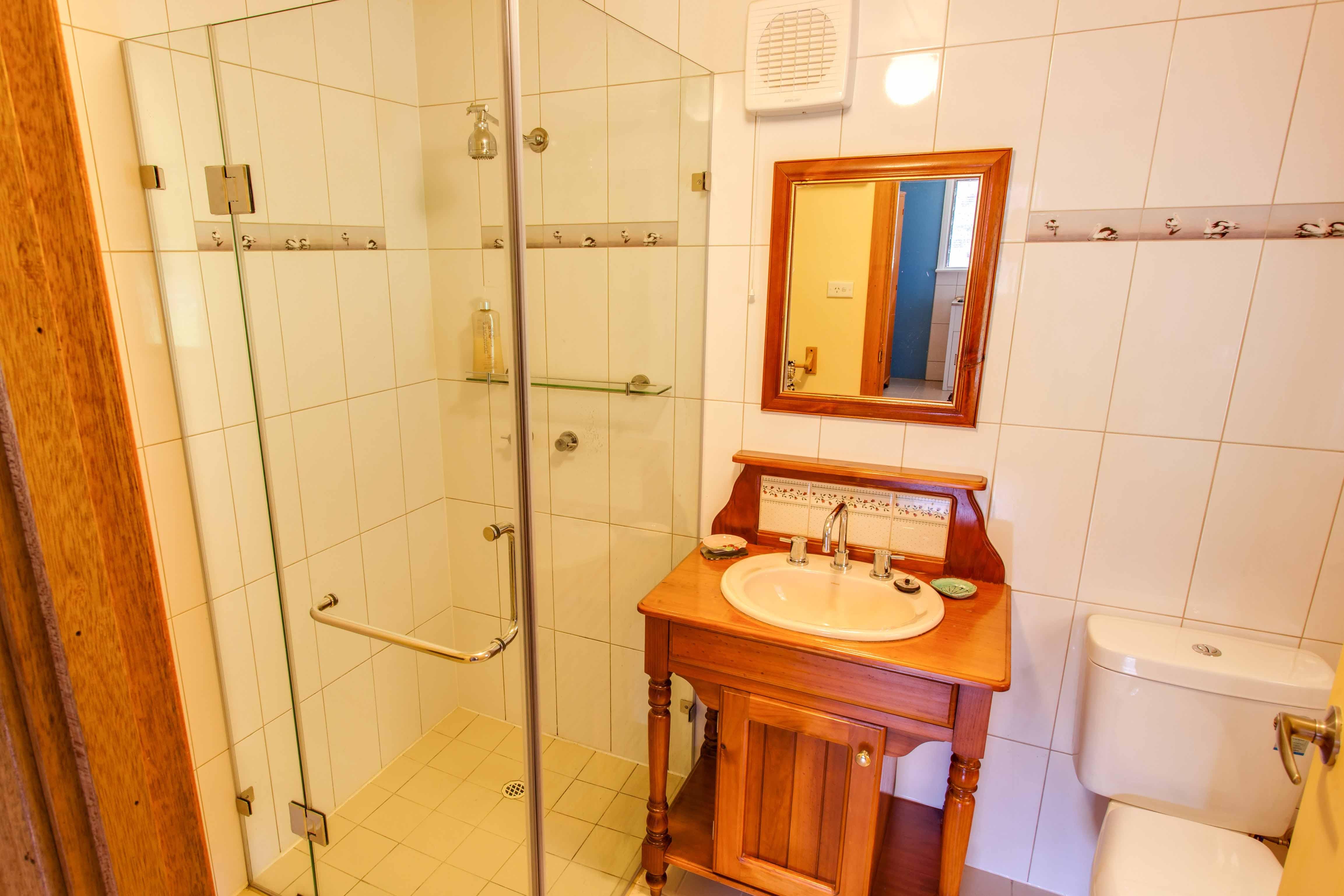 00 PLV bathroom