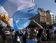 argentina-bandera-protestas-160003335881