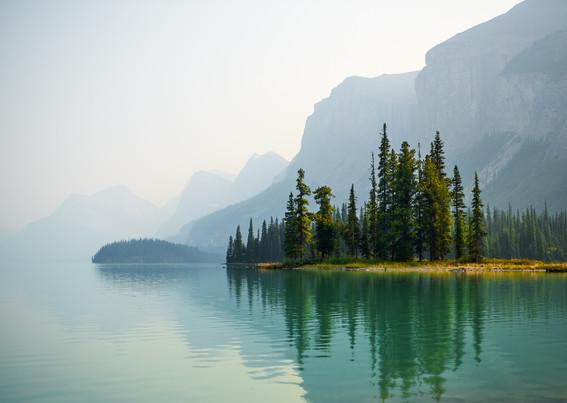 Maligne Lake. Alberta, Canada