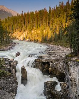 Sunwapta Falls. Alberta, Canada