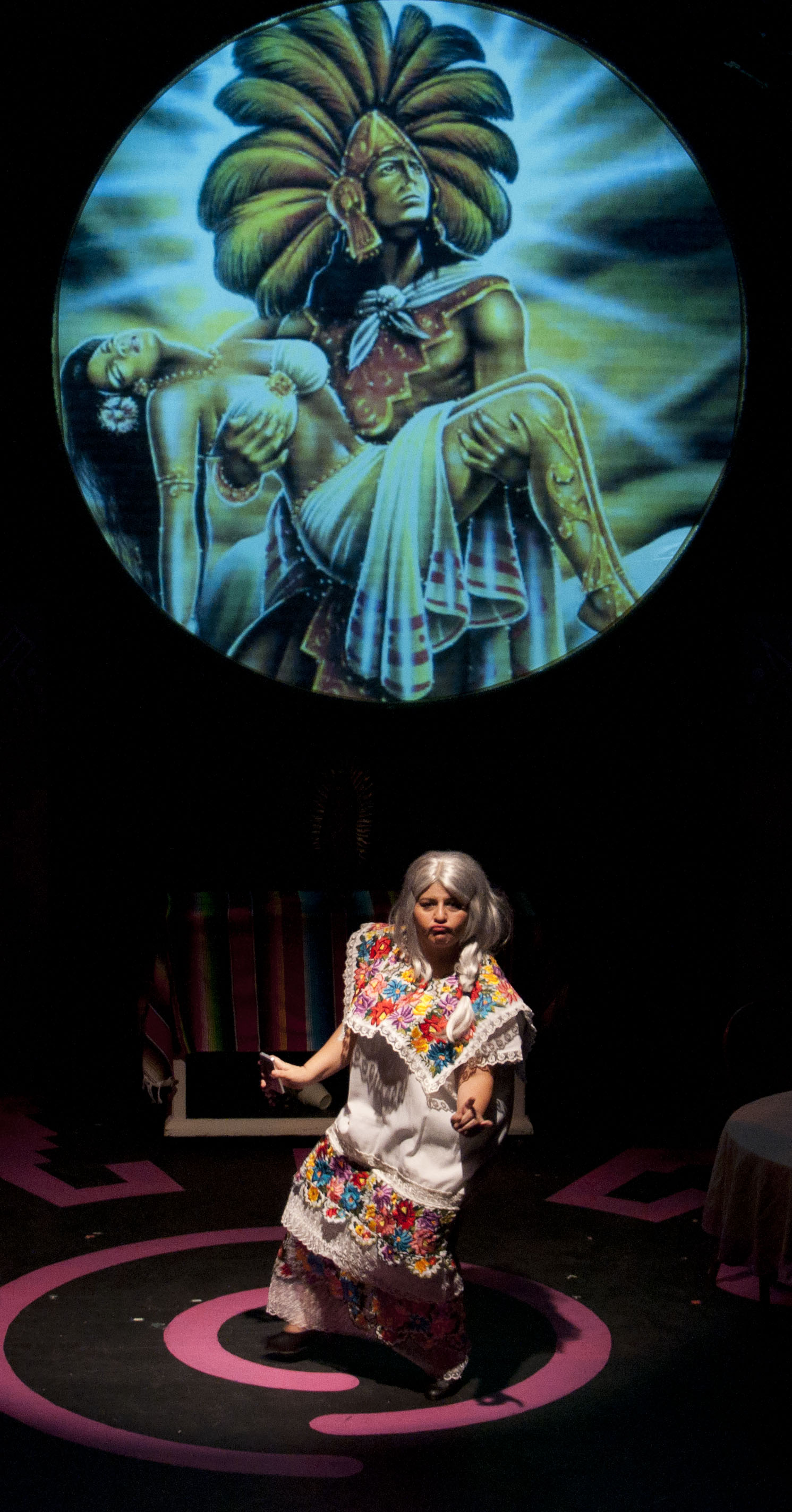 Chicana Abuela y Chicanita Nieta