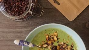 Glowing Green Smoothie bowl